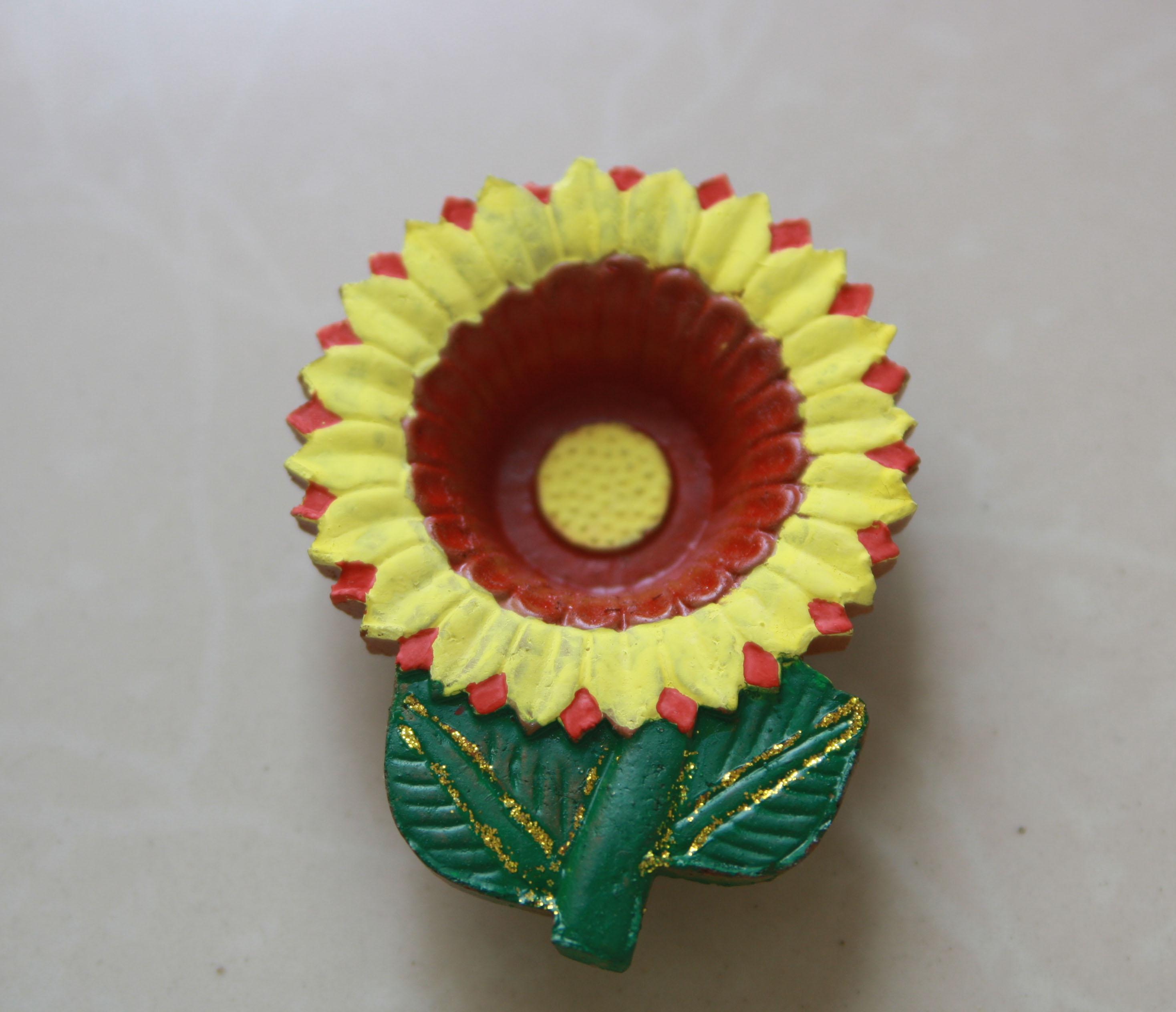 Diwali diya decoration ideas and crafts images for Art and craft diya decoration