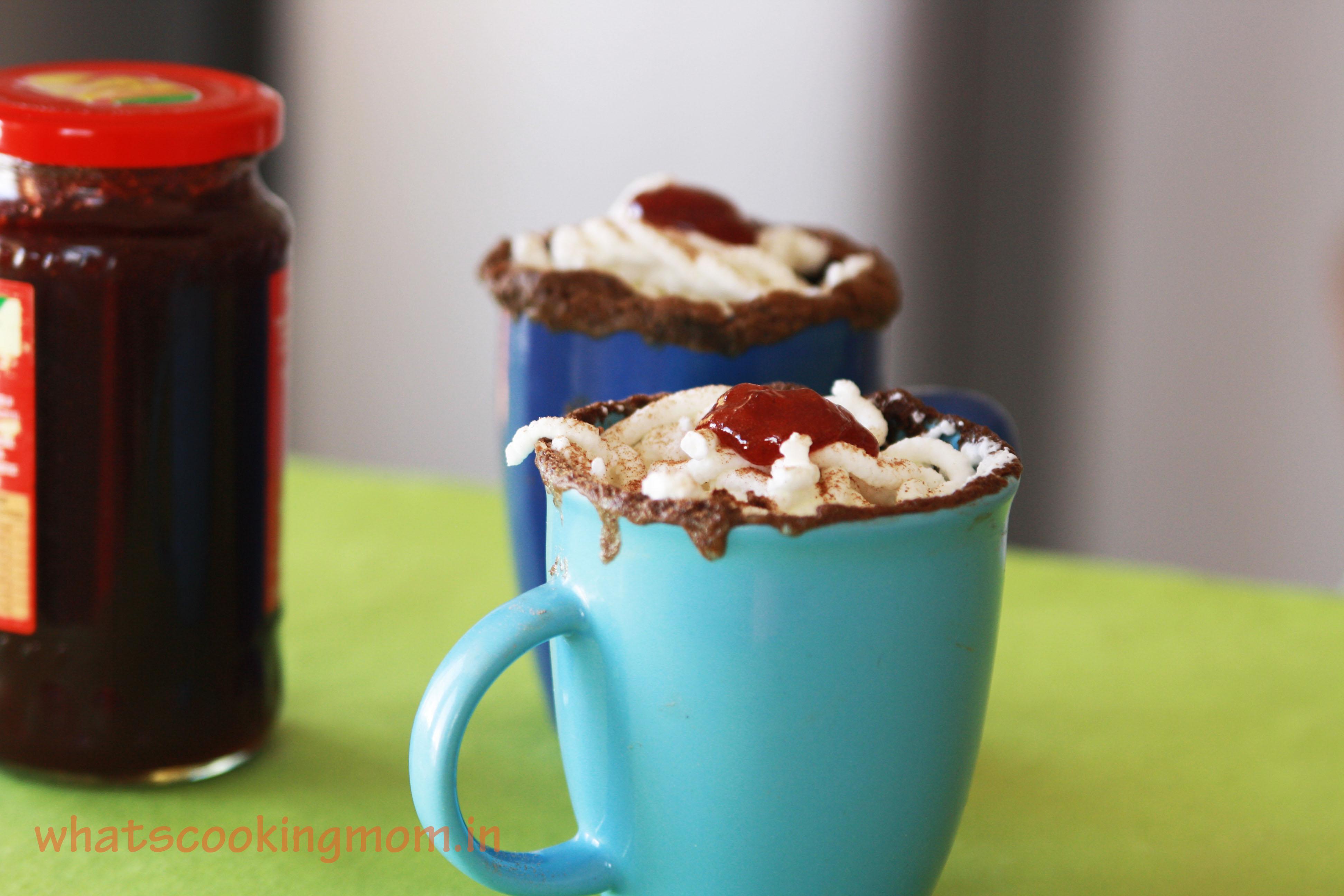 5 minute eggless chocolate mug cake