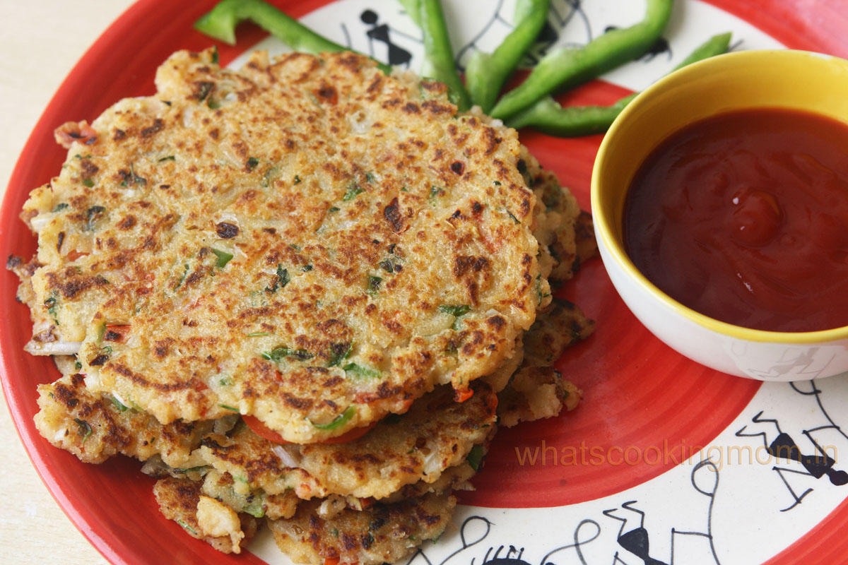 Bread pancakes/uttapam - savory bread pancakes, vegeterian, breakfast, kids lunch box, snacks