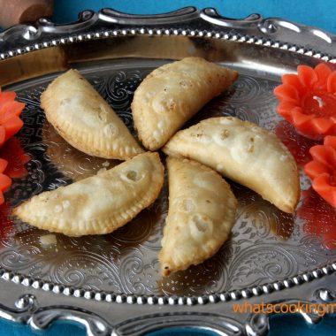 Gunjiya | Diwali sweets
