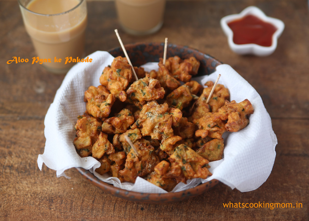 Aloo pyaz ke pakode/ Potato Onion Fritters - Crispy Crunchy vegetarian Tea Time Snack | whatscookingmom.in