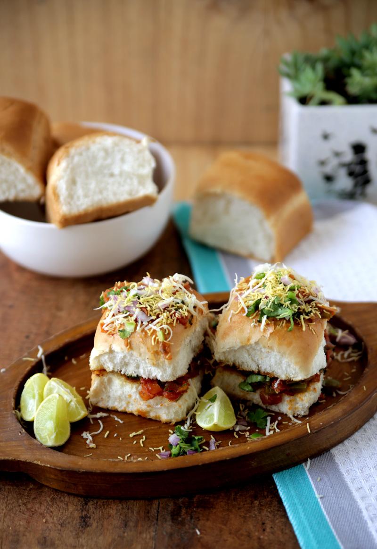 Masala Pav - famous street food of mumbai. #yummy #vegetarian #streetfood #india #mumbai #stepbystep