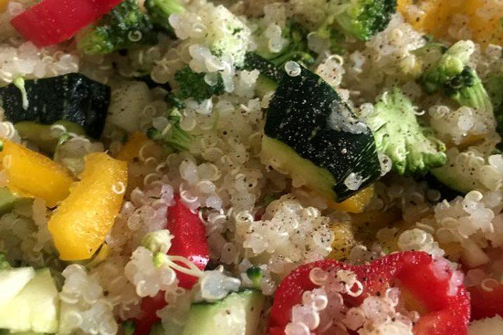Easy quinoa salad recipe - healthy, easy to make, nutritious vegetarian salad